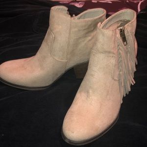 Cute never worn cowgirl boots